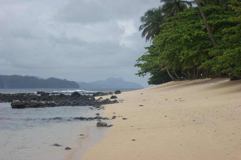 Umas das praias do Ilhéu das Rolas
